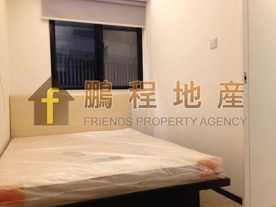Flat for Rent in Yee Hong Building, Wan Chai